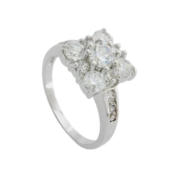 Ring cubic zirconia crystal white